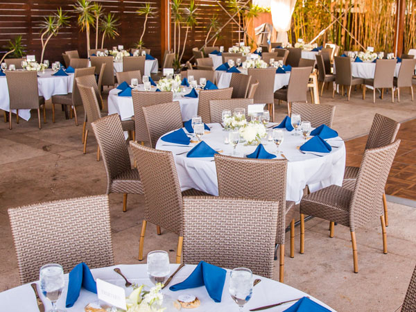 Wedding dining room that is partially outdoors