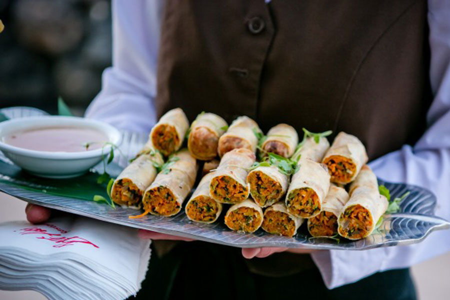 Appetizers to share at a wedding reception